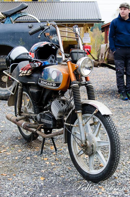 mopedutställning hos Karlsro flyers Foto: Pelle Nilsson Ljungandalen.info