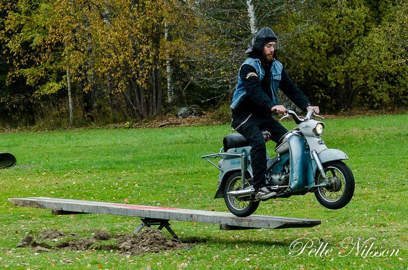 Teknikbanan på mopeddag hos Karlsro flyers Foto: Pelle Nilsson Ljungandalen.info