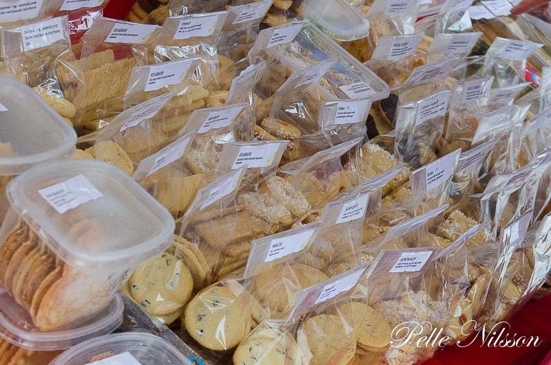 småkakor i mängder på Julmarknad i Borgsjö