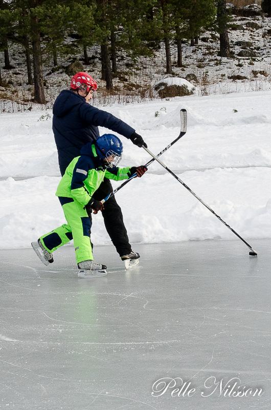 Ishocky var en av alal vintergrenar man kunde ägna sig åt på vojen denna dag. Foto: Pelle Nilsson Ljungandalen.info