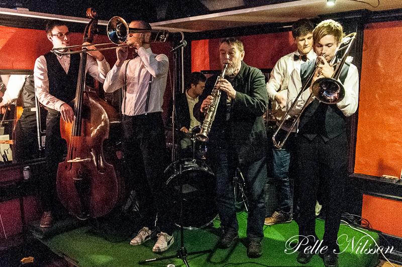 Backwater Five bjöd på New Orleans-kväll på Tinas Café Foto: Pelle Nilsson Ljungandalen.info