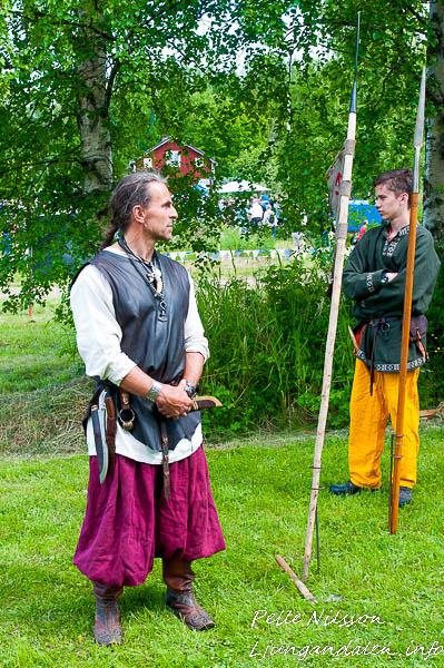 Medeltida jägare på Kälens medeltidsmarknad Foto: Pelle Nilsson / Ljungandalen.info