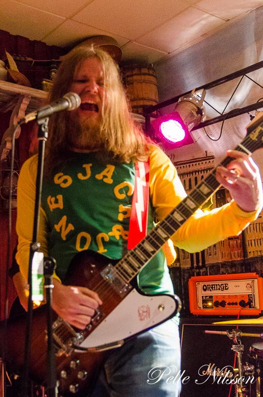 Returning Void live @knutstation 2016-03-25 Foto: Pelle Nilsson Ljungandalen.info