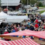 Mycket folk i gångarna på den 30:de Mittmarken Foto: Pelle Nilsson / Ljungandalen.info