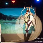 Saga tillsammans med Akrobater i Sommarteatern En Ökensaga Foto: Pelle Nilsson